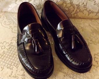 Mens Bostonian Oxblood Leather Tassel Loafer  Size 8 . 5 M