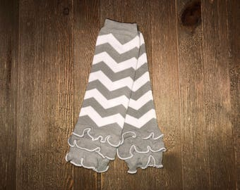 Baby Leg Warmer // Gray and White Chevron with ruffle // Ruffled Baby Leg Warmer // Toddler Leg Warmer // Baby Accessories // Arm Warmer