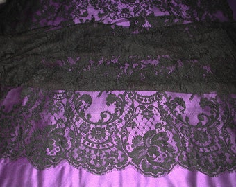"""No. 300 Black French Solstiss Chantilly Lace, Dbl Scallop, 56"""" x 6 Yards"""