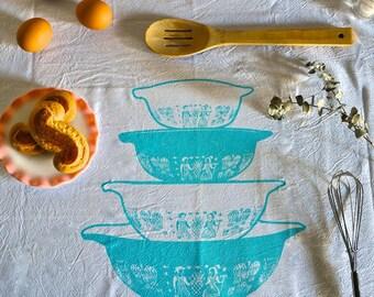 White Cotton Tea Towel, Pyrex Amish Butterprint Nesting Bowls
