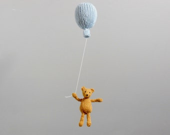 Bear Baby Mobile, Baby Mobile, Classic Winnie and Pooh Nursery, Bear Hanging Mobile, Baby Boy Mobile, Balloon Mobile, Gender Neutral Mobile