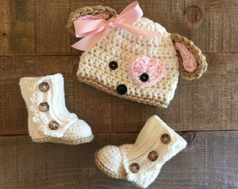 Crocheted boots and puppy hat, hat and boots, puppy beanie,  baby gift, wrap boots, baby beanie, baby accessory, lauette, baby boots