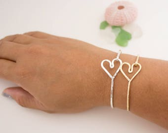 Simple Stackable Side Heart Bangle with Clasp, Handmade, Sterling Silver, 14k Gold Filled, 14k Rose Gold Filled, Simply Me Jewelry, SMJBR607