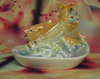Attractive fishy dish to brighten up your room!
