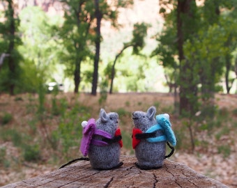 heart plush,stuffed toy mouse, Mouse with backpack, tiny mouse, hiker gift, wool mouse, waldorf mouse, woodlandmouse, all natural mouse,