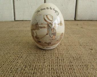 Holly Hobbie Egg, Holly Hobbie Inspirational Beach Scene Egg,Holly Hobbie Item, Holly Hobbie Ceramic Egg Beach Scene, Vintage Holly Hobbie