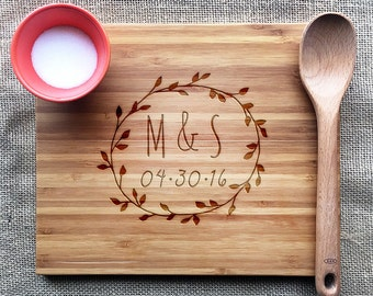 Custom Wedding Gift, Laurel Wreath Cutting Board With Initials And Date, Personalized Wedding Gift For Couples, Personalized Engagement Gift