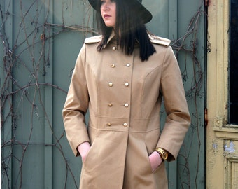 70s MAXI COAT CAMEL Rainmaster Khaki Military Style Fitted Trench Coat Double Breasted Size Medium  Large Long Coat Epaulets Brass Buttons