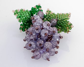 Brooch bunch of grapes