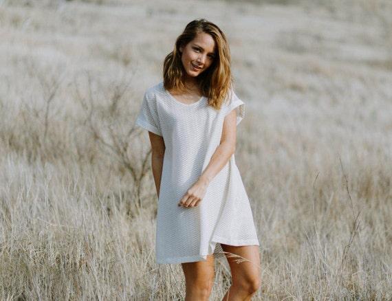 Sophie Cuff Sleeve Tee Dress / Eggshell/Gold Sheer Textured Knit