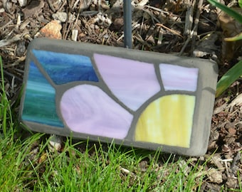 "Mosaic Stained Glass Stepping Stone - Pink Daisy Brick 8"" x 4"" x 2"""