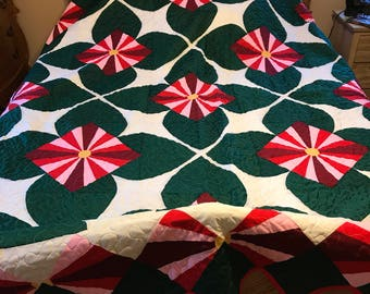 """Georgous King Size Christmas vintage quilt top newly quilted with cotton backing and batting 107"""" by 107"""""""