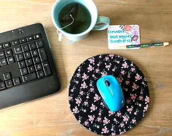 Handmade Computer Mousepad in Ditsy. Floral Round Computer Mousepad