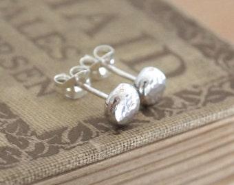 Silver pebble studs, stud earrings, Argentium silver studs, pebble studs, 3, 5 or 7mm size earrings, hammered silver stud, handmade jewelry