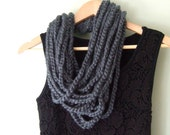 Gray Scarf Necklace / Mid...