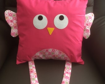 Pink owl cushion cover