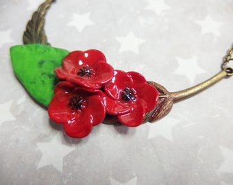 Feather necklace with poppies and its leaf effect enamel / Poppy necklace