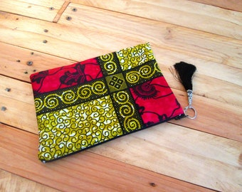 Red ethnic clutch