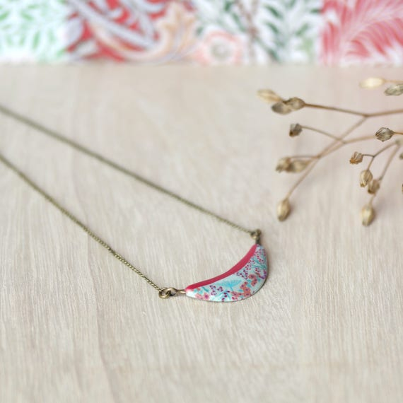 Brass pendant necklace, handmade floral patterns red necklace, japanese patterns 'Garance'
