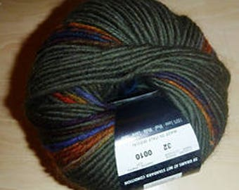 SALE ~ 127 Print from Filatura Di Crosa in worsted weight yarn in Color #32