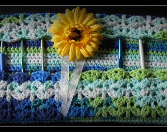 bag rack hooks with its pretty decorative flower crocheted