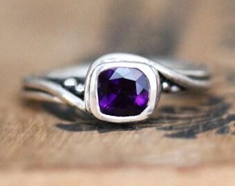Amethyst gemstone ring, silver ring, swirl ring, february birthstone ring for women, engagement ring pirouette ring, gift for new mom