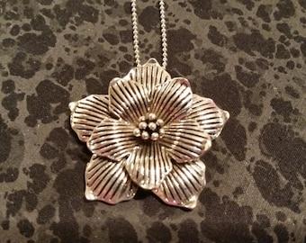 Silver Tone Floral Necklace