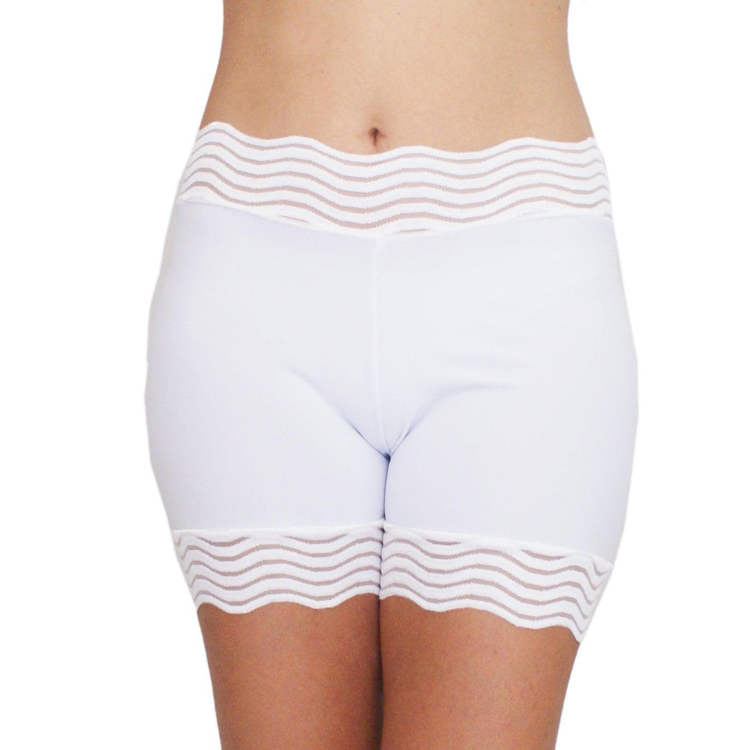 Pics of girls in white shorts — img 3