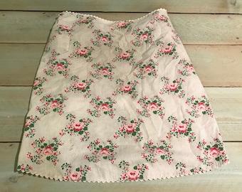 Vintage half apron with flower design Romantic, cottage, shabby chic 1950's 1960s