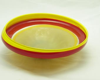 Red, Yellow, and Tan Encalmo Dish (With foot)