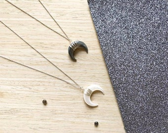 Horn half moon necklace in 925 Silver / / Silver / Black Pearl / White Pearl / / Crescent Moon pendant / / Jewel for her / Gift / /.