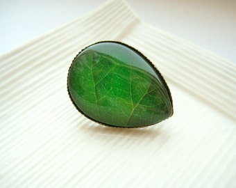 Raindrop glass dome tie tack pin - Green Leaf