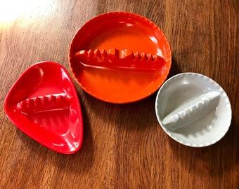 Set of 3 Plastic MidCentury 60s Ashtrays