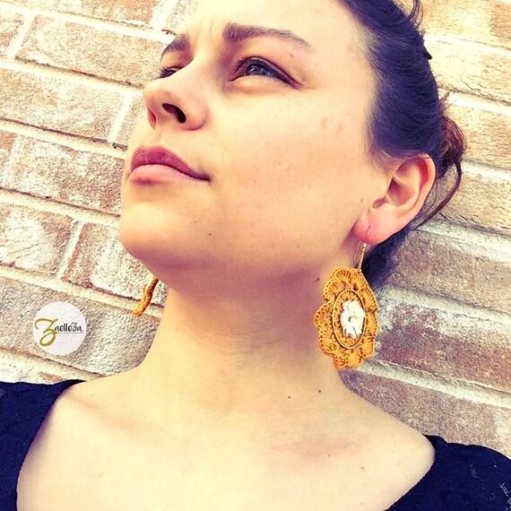 """Earrings 14 k Yellow flower crochet lace - pattern """"Mandala"""" al. HOLI / / Zaelleza - elegant / / Bohemian / / hippie"""