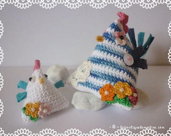 """ON order Decoration: Two chicks flowering, triangle or shape """"humbug"""""""