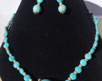 Turquoise Magnesite and Gold Necklace Set