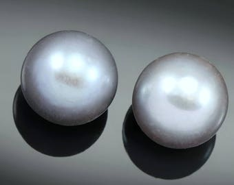 2x Silver Grey Half-drilled Round Freshwater Pearls AAA 7mm for Jewellery Making