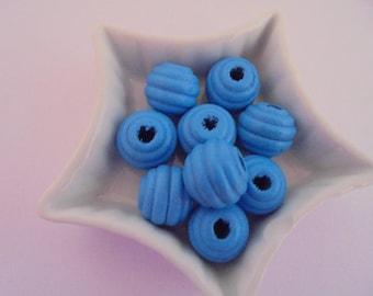 9 blue wood beads 15 mm round