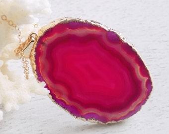 Fuchsia Agate Necklace, Stone Necklace, Slice Geode Necklace, Pink Agate Necklace, Statement Necklace, Boho Necklace, Raw Pendant Gold 6-366