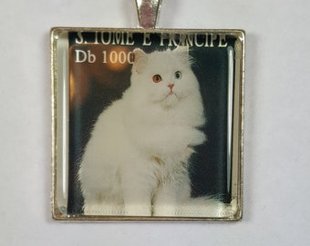 Long Haired White Cat Angora Bi-Colored Eyes Fluffy Fur Genuine Postage Stamp Pendant Key Ring
