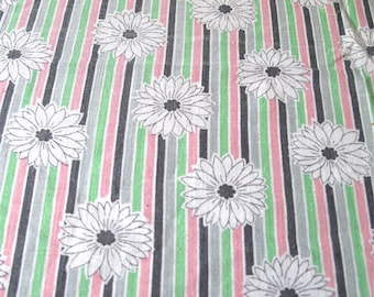 """Vintage 40's feedsack fabric - Pink, Grey & Green Stripes with Daisies, Cotton Sewing Fabric - 3/4 yard - 36"""" x 27"""" yardage"""