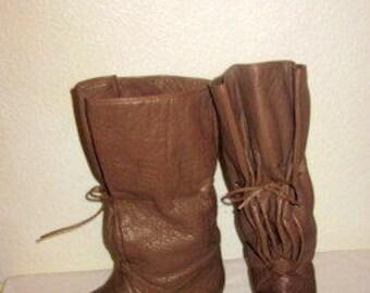 sz  6 b vintage taupe color  soft italian leather flat boots CARLOS FALCHI