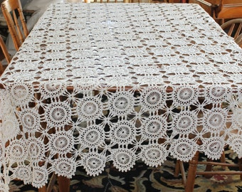 Vintage Beautiful Hand Crocheted Cotton Tablecloth