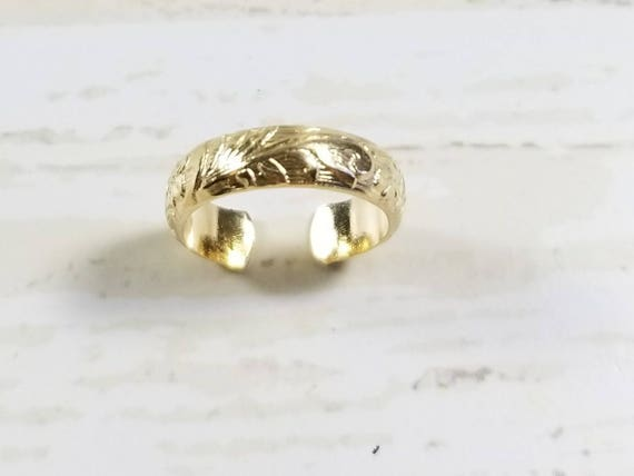 Solid 14K Yellow Gold Floral Band Toe Ring