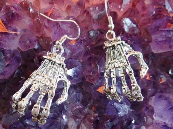 Cyborg Robot Hand Earrings Skeleton Earring Hooks Horror Action Sci-Fi Cyborgs Robots