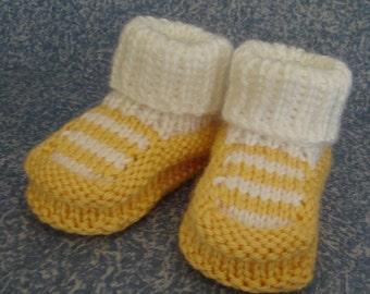 Hand Knit baby booties - Top Striper