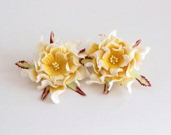 10 pcs - 6-7 cm White & Yellow gardenia flower