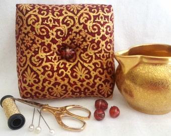 Elegant Box Pincushion, Gold Pincushion, Square Pincushion, Elegant Pincushion, Pincushion Pillow,Pincushion with Glass Beads,Pin Keep