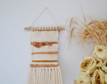 Woven wall hanging in wool / natural decor / wall art / wall decor