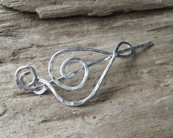 "Treble Clef Shawl Pin - Aluminum Shawl Pin Scarf Pin Wire Hammered Silver - Music Gift ""Catchy Tune"""